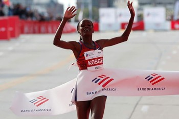 Brigid Kosgei bate el récord del mundo de maratón