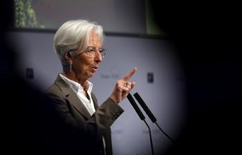 Lagarde anuncia una revisión de la política monetaria del BCE