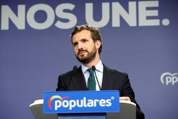 Casado dice que Sánchez cierra la puerta de la ayuda del PP
