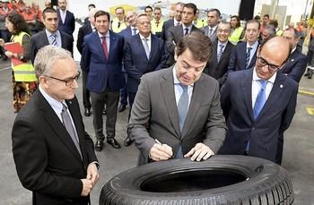 Mañueco anuncia una rebaja del 15% del suelo industrial