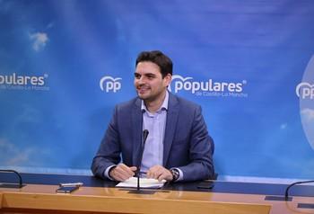 El PP contra los ERE, el PSOE contra el bloqueo