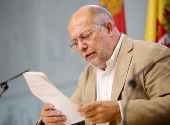 Francisco Igea, vicepresidente y portavoz de la Junta, explica los acuerdos del Consejo de Gobierno.