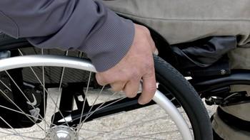 Los trabajadores con discapacidad cobran un 17 % menos