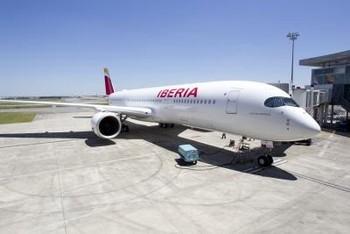 Iberia lanza 'Talento a bordo' para potenciar la Marca Españ