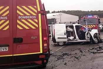 Un fallecido en una colisión entre un camión y una furgoneta