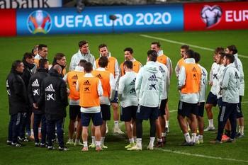 La Roja busca la última victoria sin presión