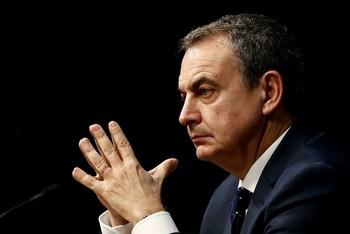 Zapatero, disgustado por las noticias sobre Juan Carlos I