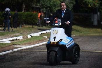 Guatemala rompe relaciones con Maduro y reconoce a Guaidó