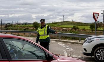 Detectados 2 permisos de conducir extranjeros falsificados