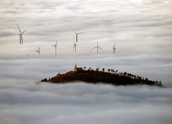 La niebla obliga a desviar y cancelar vuelos de Noáin