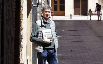 El escritor y profesor de la Filología Inglesa Carlos Villar Flor, autor de 'Viajes con mi cura'.