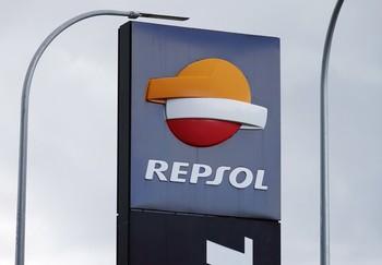 Repsol pierde 3.816 millones tras un ajuste de 4.849 millone