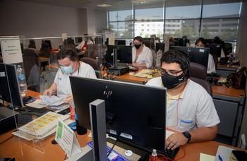 Vista de los trabajadores del grupo multidisciplinar de rastreadores en Logroño.