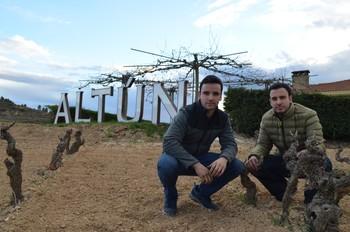 Los hermanos Iker y Alberto Martínez Pangua.
