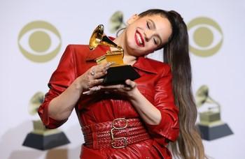 Rosalía entra en el selecto club de españoles con un Grammy