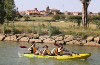 El Canal de Castilla, a bordo de kayaks