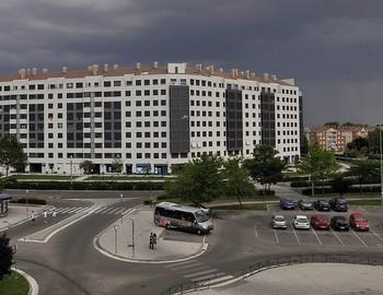 Edificio de viviendas frente a Vallsur en el que se construyeron 263 viviendas más de las previstas.