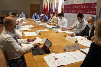 La mesa de expertos explora la solución del abastecimiento