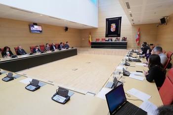 La Comisión del Estatuto aborda la elaboración del dictamen de reforma.
