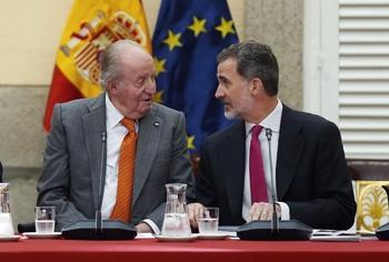 El Gobierno traslada a Felipe VI tomar medidas sobre su padre