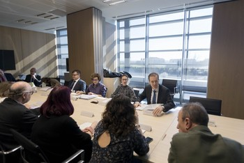 El consejero de Empleo e Industria, Germán Barrios, preside el Consejo Regional de Seguridad y Salud Laboral.