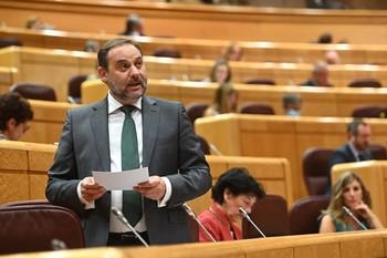 Ábalos, durante la sesión de control al Gobierno en el Senado.