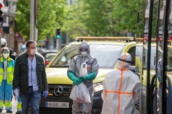 España registra 637 muertes, el dato más bajo en 13 días