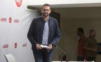 El PSOE le pide al PP que deje de
