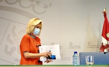 La consejera de Sanidad, Verónica Casado, antes de la rueda de prensa.