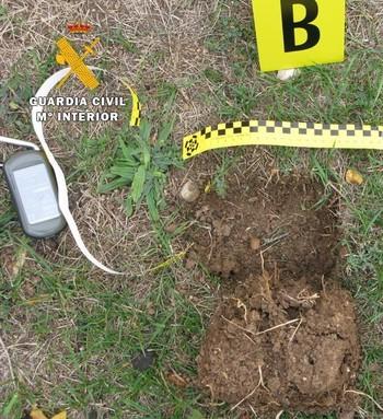 Una inspección ocular en la zona, catalogada como Bien de Interés Histórico, destapó la presencia de seis hoyos en el terreno.