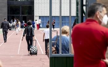 La Junta cierra tres aulas más en Miranda y otra en Burgos