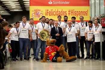 Los Hispanos, recibidos como héroes en su vuelta a España