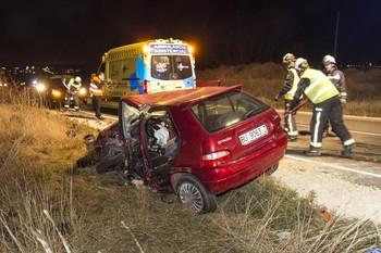 En este accidente en la carretera de Arcos, una mujer sufrió el año pasado fracturas graves.