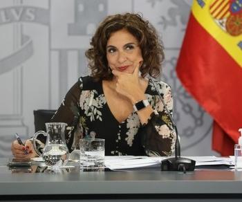 Montero prevé presentar los PGE en octubre y aprobarlos en enero