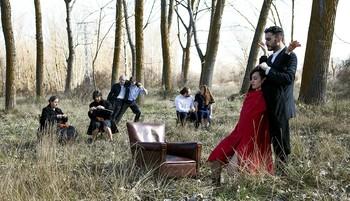 El espectáculo de creación incluye escenas con múltiples perspectivas y enfoques que tratan varios temas a la vez, como en esta imagen de promoción.