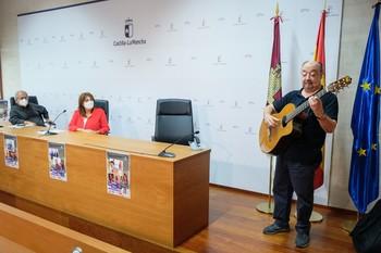 El taller de cantautores resiste en Toledo con Kiko Veneno