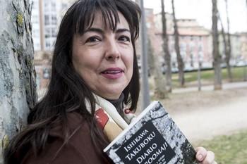 Elena Gallego, hace un año en el parque del Doctor Vara, durante la presentación de otro de sus volúmenes.