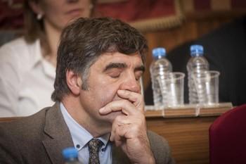 El juez niega a Gómez el cobro de las dietas