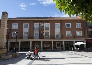 Imagen de archivo de la plaza del Ayuntamiento de Lardero.