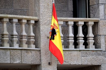 España inicia 10 días de luto oficial por los fallecidos