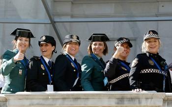 Varios agentes de Policía, Guardia Civil y Policía Local, en el Día de la Mujer.