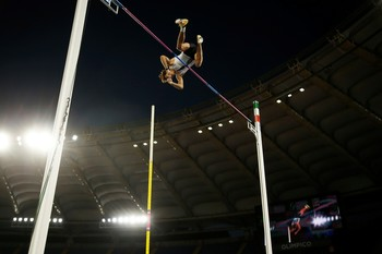 Duplantis, récord del mundo en salto de pértiga 'outdoor'