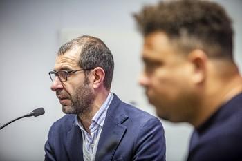 David Espinar, junto a Ronaldo.