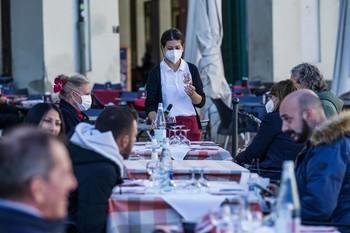Italia marca un nuevo récord de casos diarios
