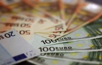Mapfre prevé que el PIB español caiga hasta un 13,1% este año