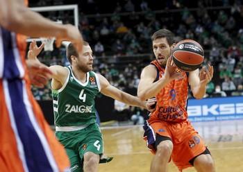 El Valencia salta la banca en el Zalgirio Arena