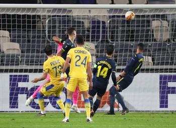 El Villarreal se mantiene líder pero aplaza su clasificación