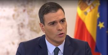 La JEC multa a Sánchez por hacer campaña desde Moncloa