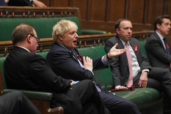 Inglaterra aprueba nuevas restricciones tras el confinamiento