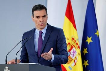 Sánchez avanza una reforma fiscal cuando acabe la recuperación